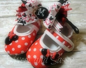Mary Jane Crib Shoes /Hair Bow/Headband Monogrammed/ Minnie Mouse Inspired Newborn/Toddler