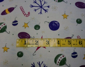 Primitive Christmas Ornaments on Muslin with Gold Flecked Snowflakes One Yard (328E)