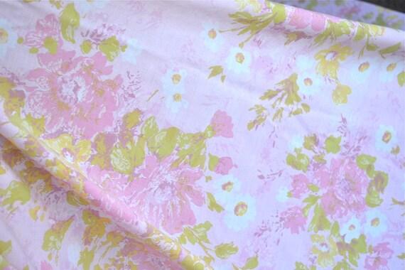 Vintage Bed Sheet - Dreamy Pink Cottage Roses on Pale Pink - Full Flat