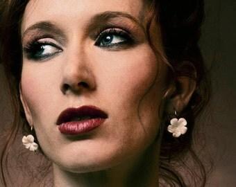 Gold Earrings - White Daisy