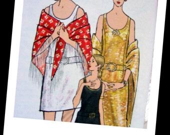 Vintage 70's Vogue Sewing Pattern 7765 - GLAMOROUS Evening Dress & Shawl  - size 16 * bust 38 - UNCUT