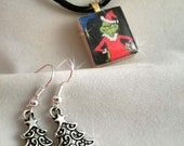 Grinch Necklace Scrabble wood Tile with Christmas Tree Earrings