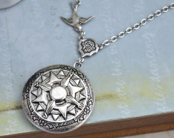 silver compass locket - GUIDANCE - antiqued silver plated locket necklace. sundial compass. silver compass necklace.