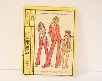 Vintage 1970s McCalls Girls Blazer or Vest, Skirt and Pants Pattern 3288 size 10