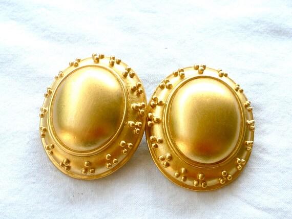 Vintage, Golden ClipOn Giant Ovals : C34