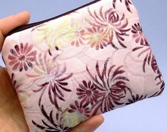 Chrysanthemum on pink - Zipper pouch / coin purse (padded) (ZS-28)