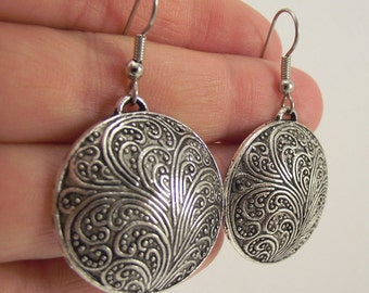Round Decorative Antiqued Silver Earrings, Silver Earrings