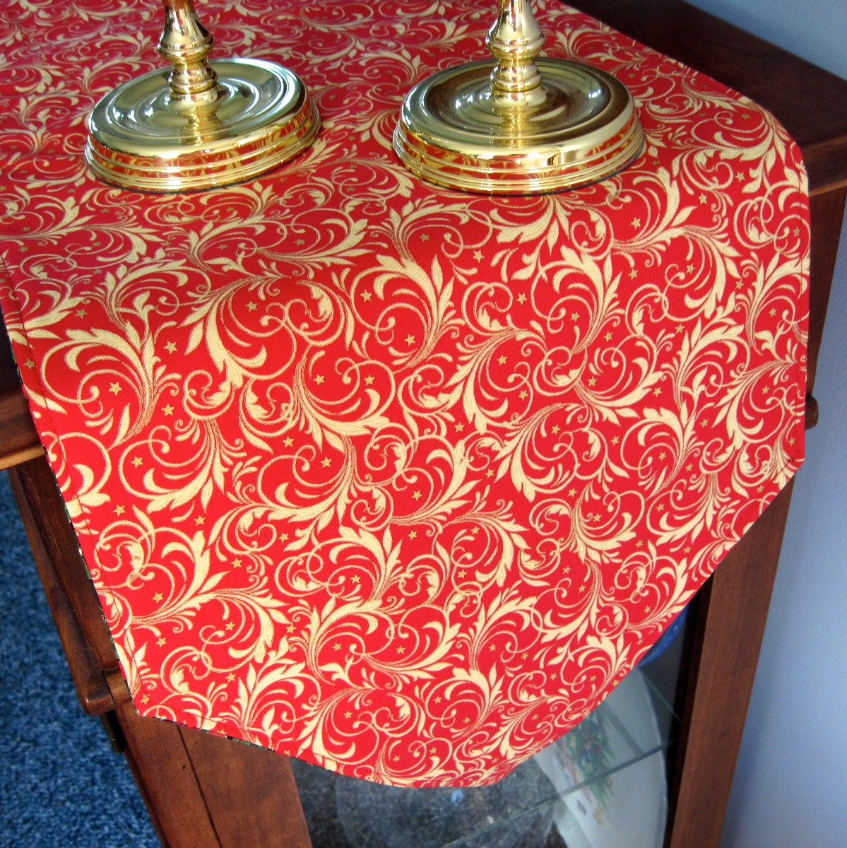 sale 54 red and gold christmas table runner reversible. Black Bedroom Furniture Sets. Home Design Ideas