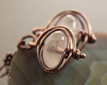 Dangle copper earrings with herringbone framed rose quartz  stones - Rose quartz earrings - Stone earrings - ER069