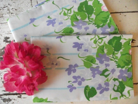 Vintage Pillowcase Set - Purple Flowers