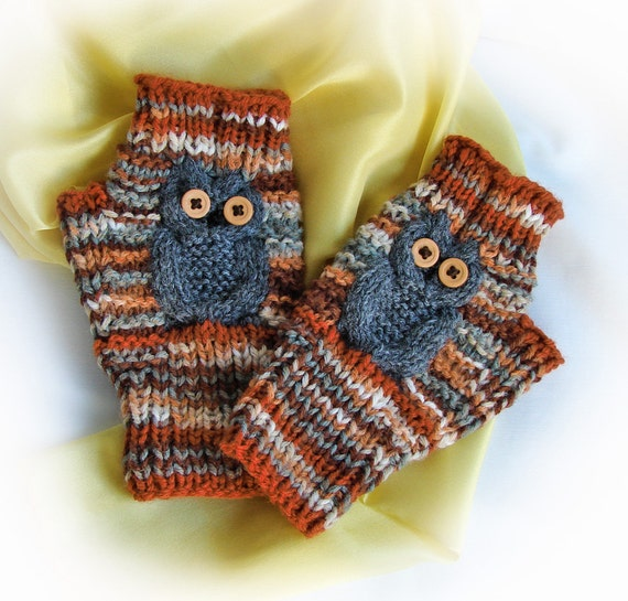 Woodsy Gray Owl Fingerless Gloves / Women and Girls / Acrylic