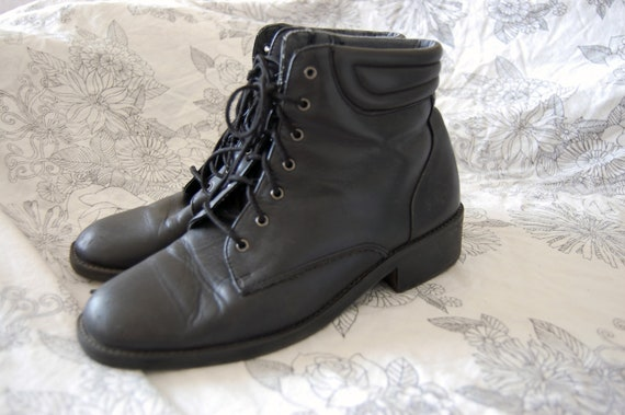 Black Leather Ankle Boots Sz 7.5 Like-New
