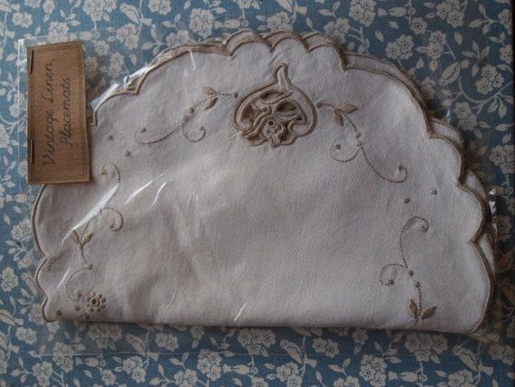5 Vintage Linen Placemats