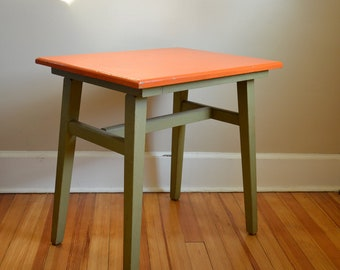 Vintage Habitant Knotty Pine Wood Table in Tangerine Orange and Avocado Green.  Mid Century.  Gorgeous Side Table. Design 3X53.