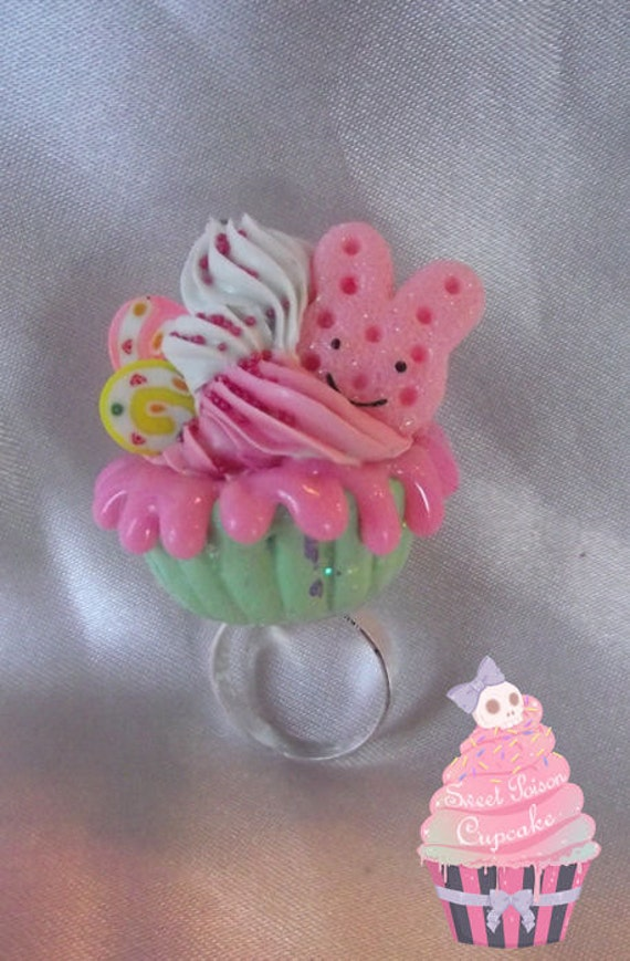 Sweet Pink Cookie Bunny Cupcake Ring