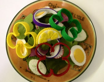 Wool Felt Play Food - Salad - Waldorf Inspired Kitchen or Market Place Accessory for Imaginative Play