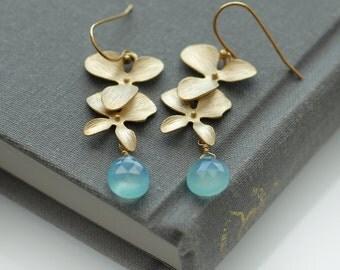 Bridesmaids earrings, Blue and gold earrings, Sky blue jewelry, Sky blue earrings, Something blue earrings, Blue Chalcedony earrings, Drop