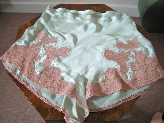 1930s silk tap pants / beautiful silk lingerie in delicious mint green with tea rose lace / M-L