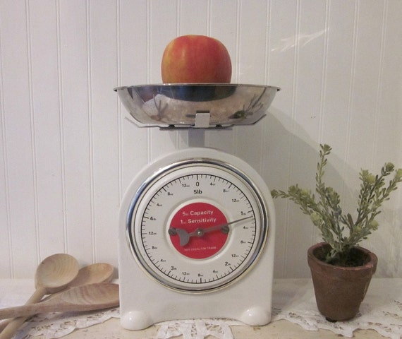 vintage Ekco 5 lb. kitchen scale with aluminum bowl, white & red with black numbers, country farmhouse decor
