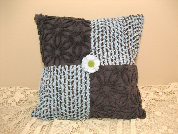 SALE Mid Century Vintage Chenille Pillow in Gray and Blue