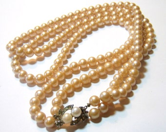 vintage two stranded glass pearls light beige necklace E