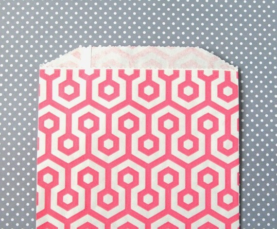 Pink Honeycomb Goody Bags / Favor Bags / Treat Bags (20) - 5 x 7.5 inches