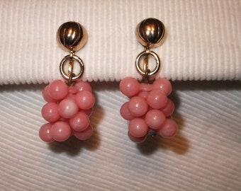 Vintage Earrings Screw Back Goldtone Pink Retro Costume Jewelry Grapes