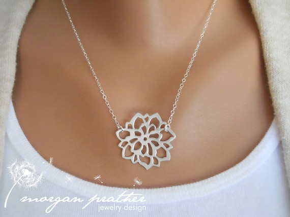 Chrysanthemum Petite Necklace - Dainty Flower Necklace in Grey White Silver - Perfect Gift - Pendant Suspended from Sterling Silver Chain