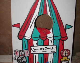Circus tent    Corn hole  game   with 4 bean bags