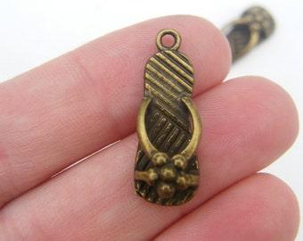 6 Large flip flop charms antique bronze tone BC28