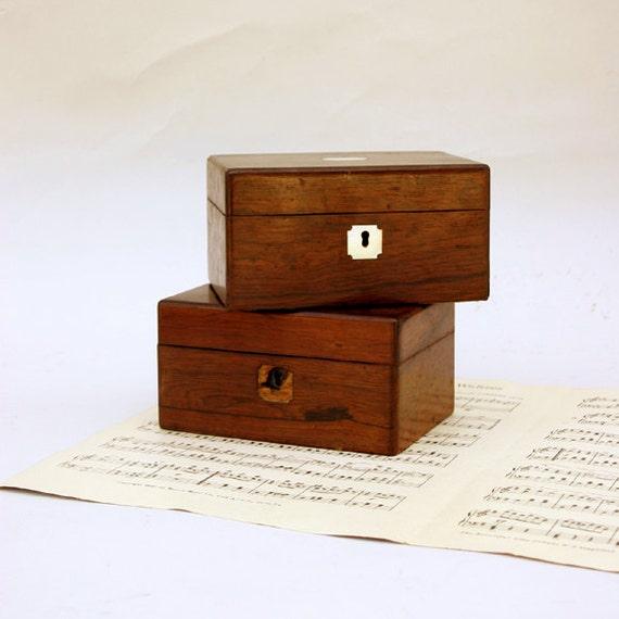 2 Vintage Wood Box with Hinged Lid / Keepsake Boxes