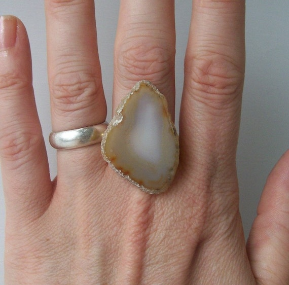 agate ring geode rings bohemian boho fashion jewelry statement cocktail adjustable neutral earth tone opaque white cream yellow tan