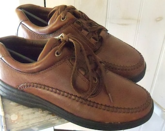 SALE - Mens leather shoe Casual Brown Lace Up Thom McAn Never Worn