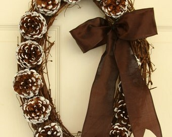 Natural Wonder White-Tip Pinecone Holiday Wreath, Pinecone Oval Wreath, Pinecone
