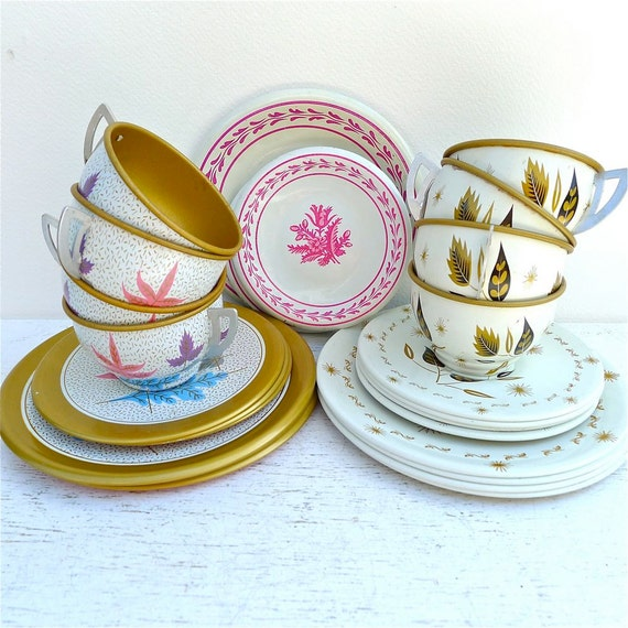 RESERVED FOR JORDAN Vintage Tin Child's Tea Set Ohio Arts 1960's Lot 32 Pieces