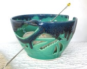 Mint Emerald Green Yarn Bowl, dragonfly Cobalt Blue highlights Knit Large Yarn Holder Handmade Ceramic Pottery, KNITTING, Crochet Organizer
