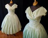 Gorgeous 1950's I Magnin designer mint green silk new look party dress vlv rockabilly pin up girl - size Medium