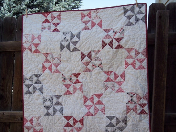 WEEKLY DEAL - Grandma's Hourglass Lap Quilt