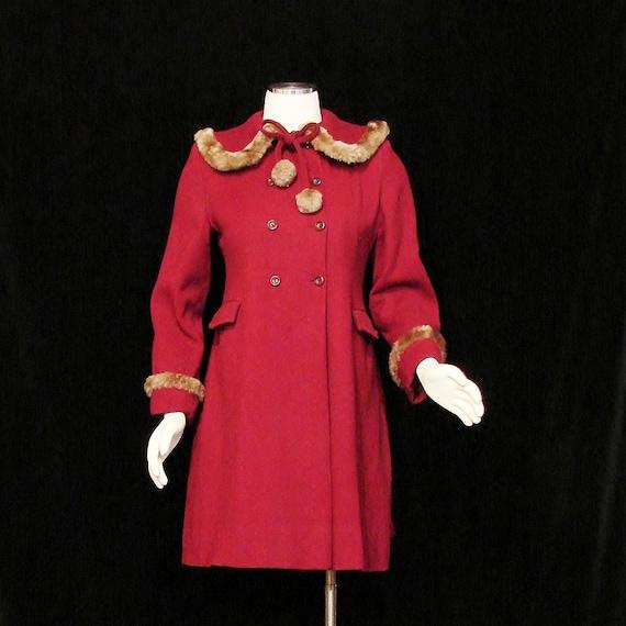 RESERVED - Coat - SWEET - Circa 1940's - Princess Cut - Faux Fur Trim - Small/Petite