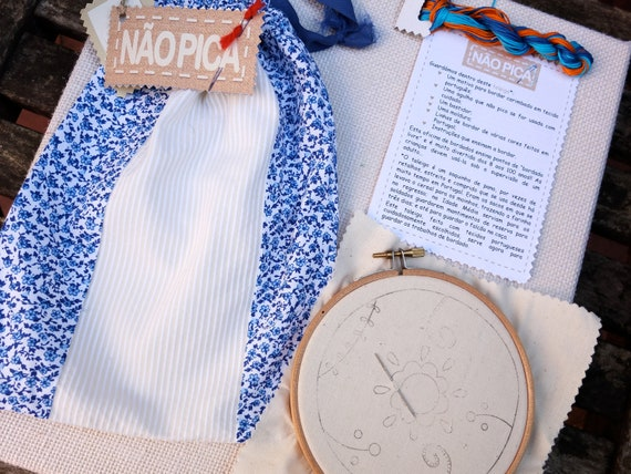 Needlework kit with embroidery supplies from Portugal - embroidery hoop, embroidery thread, needle, instructions, drawstring bag Japoneira