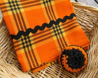Halloween Kitchen Gift Set- Cotton Dish Towel and Nylon Net Scrubbie