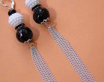 """5"""" 1/2 L Black n White duster, shoulder length earrings"""