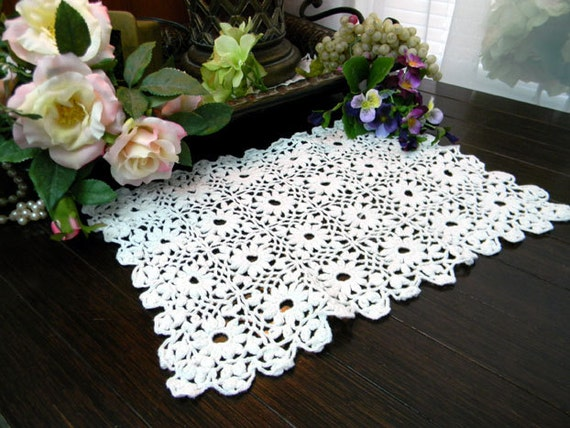 White Crochet Doily  - Chunky Look and Feel 8043 Black Friday / Cyber Monday