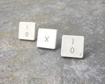 iTacks - OXO, Upcycled Mac Computer Key Thumbtacks - set of 3, gift, birthday, guy gift, recycled, Apple Computer