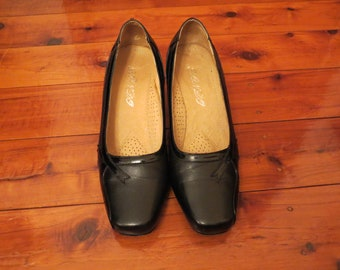 Vintage Comfy Black Leather Work Heels Low Pumps