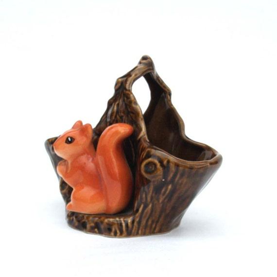 Squirrel and Tree Trunk Ceramic Vessel / Basket - Vintage SYLVAC Pottery 4240