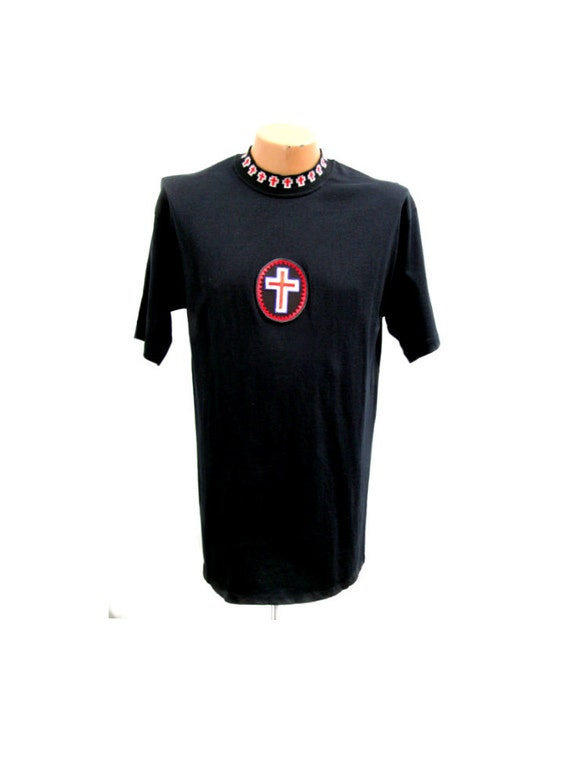 Vintage Archaic Smile Cross Patch and Collar T-Shirt Mens Size Large