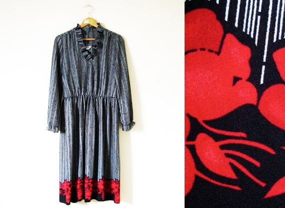 SALE // vintage 1970s Dress // Black and White // Striped Print // Red Floral Accent // Ruffles // M/L