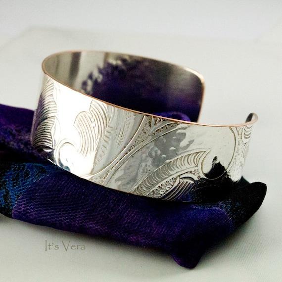 Its Vera, silver cuff bracelet, trendy and handmade