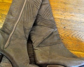 SALE-Vintage 80's Beige Ruched/Pleated Heeled Boots - Size 7-7.5